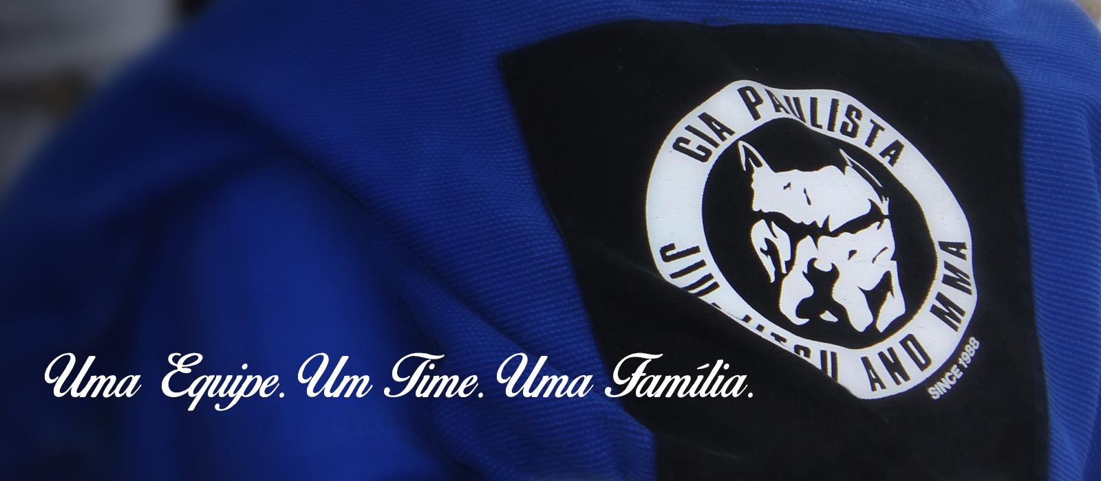 Uma Equipe. Um time. Uma família.